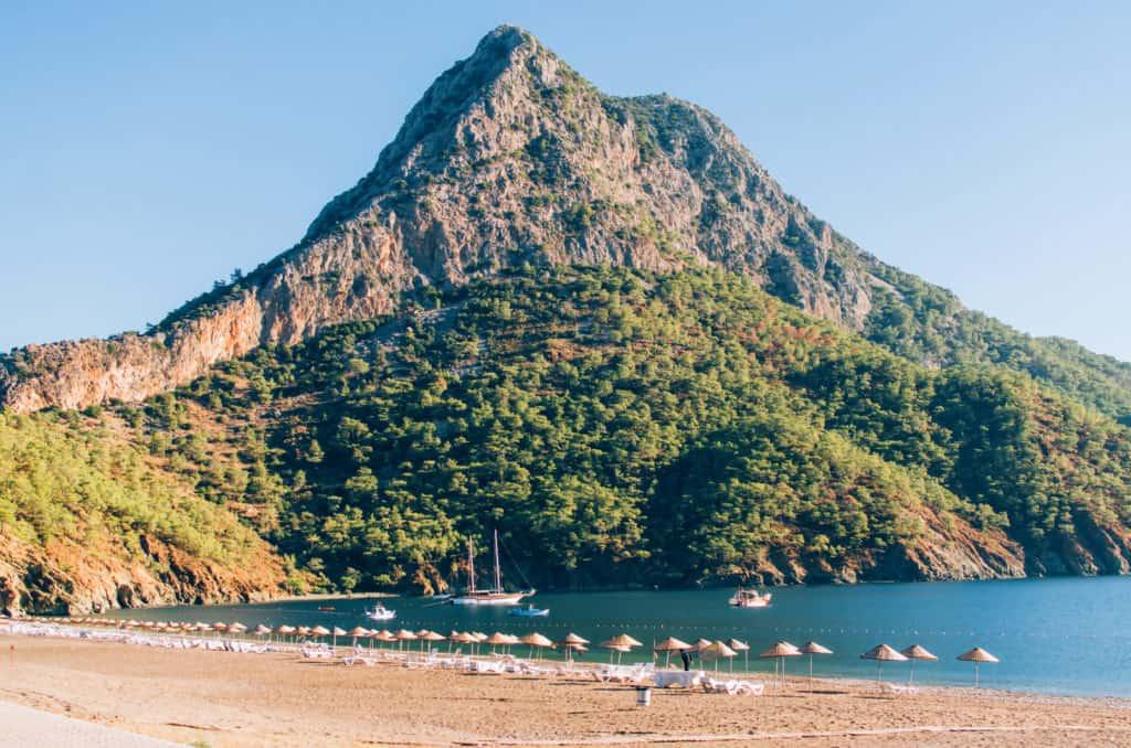Cirali, Strand und Berg