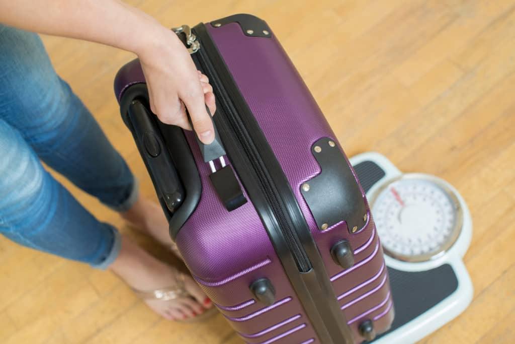 Reisevorbereitung, langer Flug, FernwehElixir, Koffer wiegen